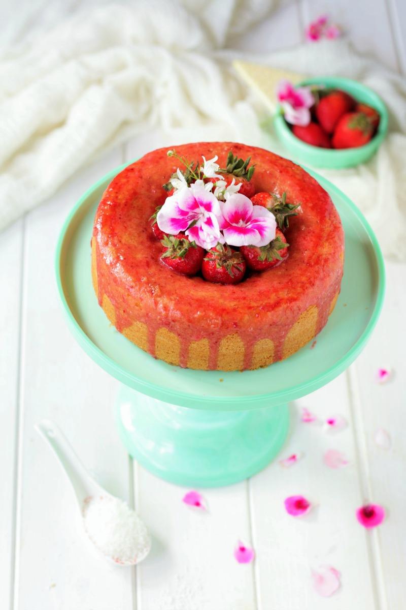 torta al cocco fragole
