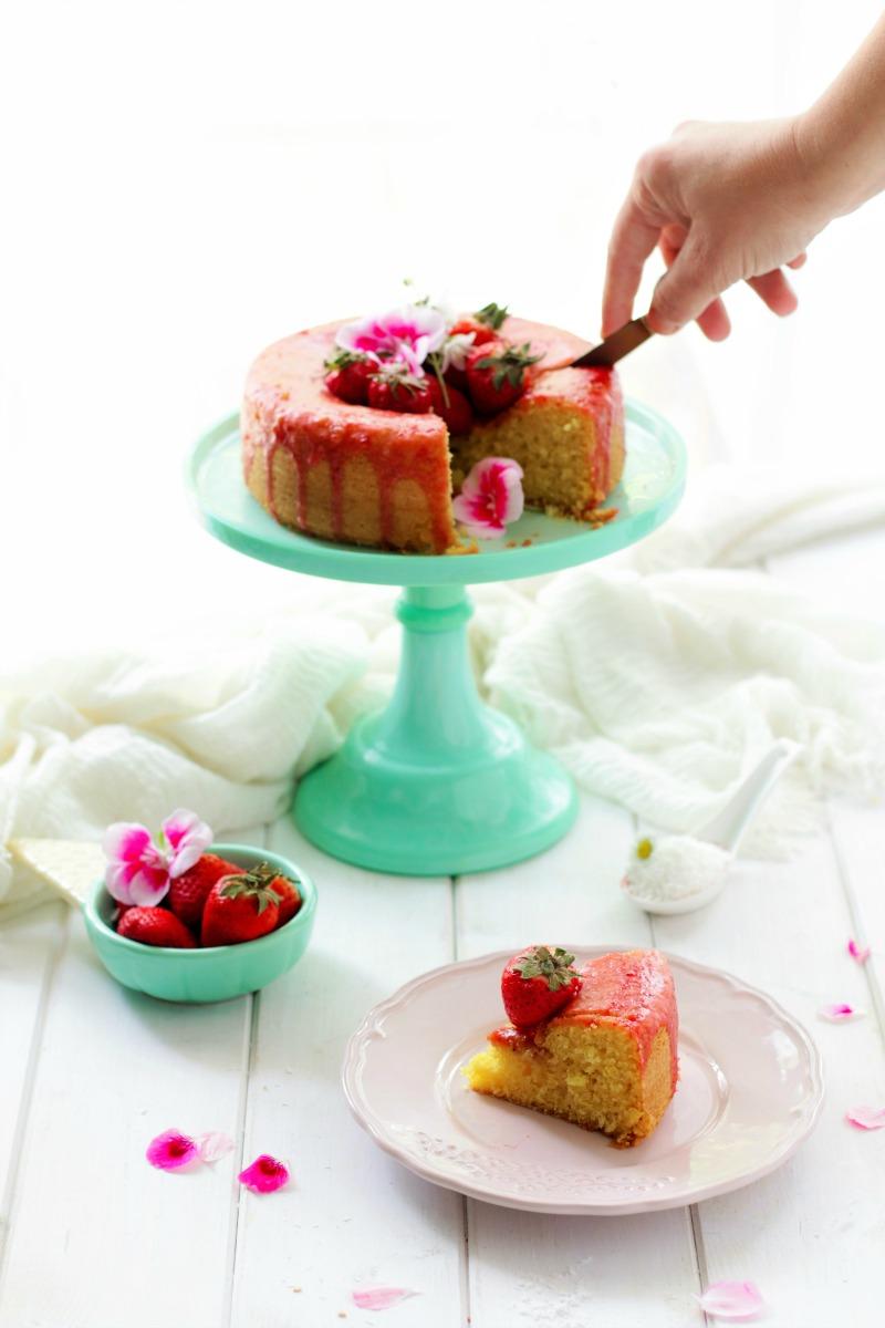 torta cocco fragole2