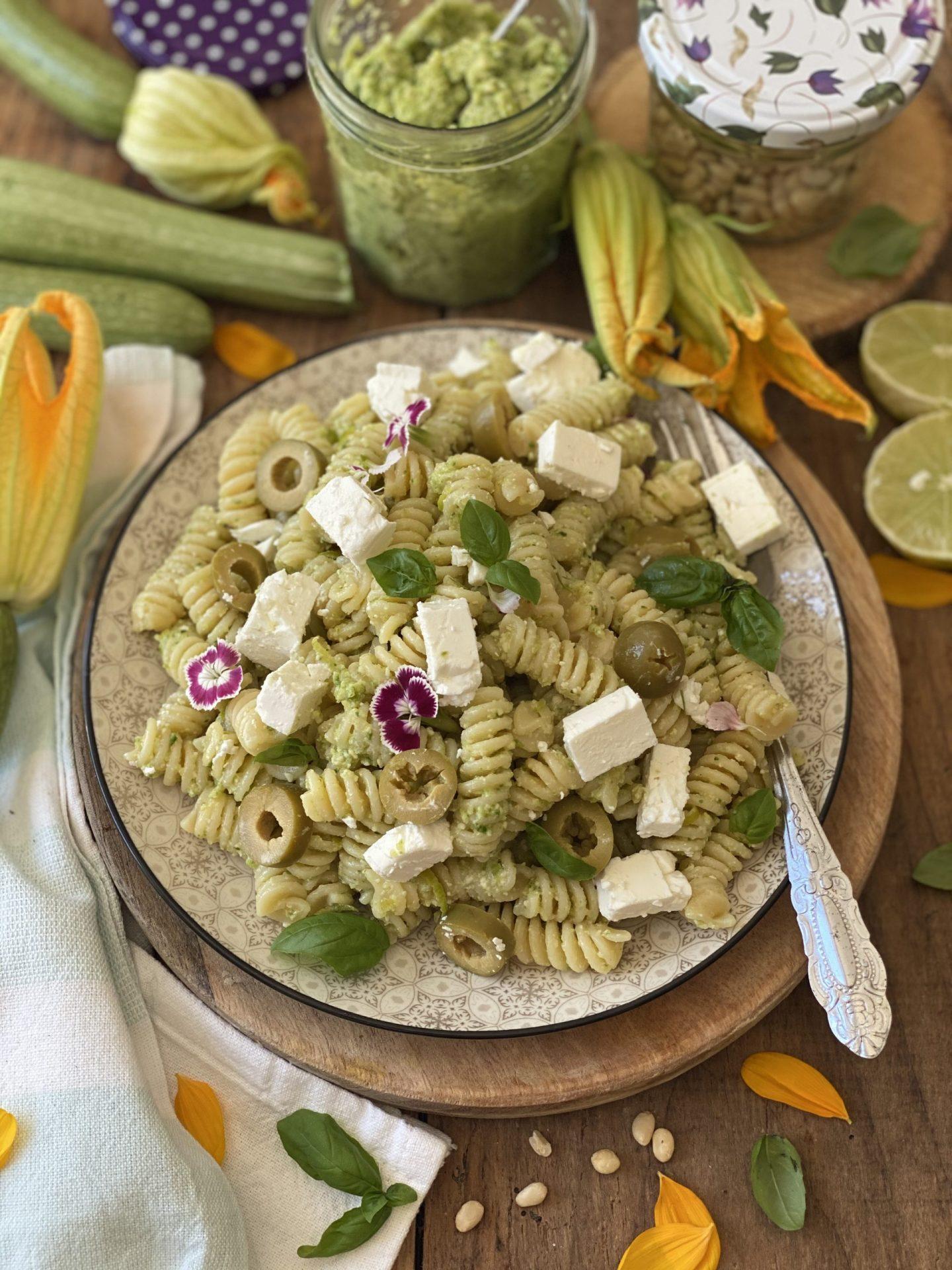 Pasta fredda al pesto di zucchine